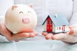 Как правило, такое право финансовой организации содержится в соглашении ипотеки и связано оно с тем, что меняется имущественное положение кредитополучателя.